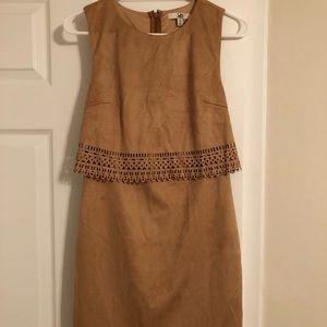 Lady sleeveless dress